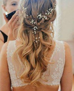 花嫁必見!とにかく可愛い♡ハーフアップのウェディングヘアアレンジ で紹介している画像
