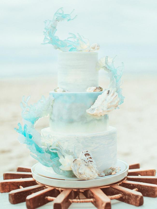 リゾートウェディングにも♪夏や海をイメージしたおしゃれなウェディングケーキデザイン21選☆ で紹介している画像