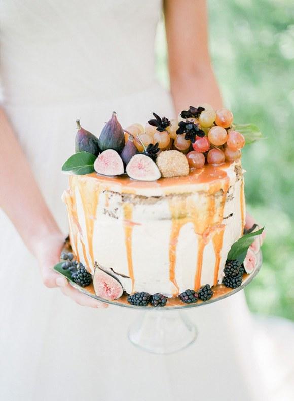 見た目が重視!一段でもお洒落でかわいい♡〜ウェディングケーキ