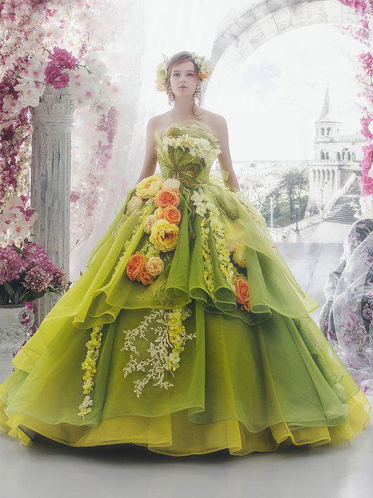 平愛梨さんはひまわりのドレスで愛を表現♡お色直しは[私らしいドレス]を! で紹介している画像