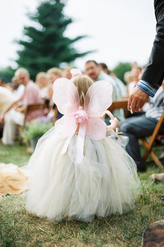 子供も立派なゲスト♡知ってた?結婚式での子供の服装マナー で紹介している画像