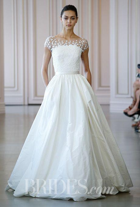 <元ドレススタイリストが教える>ウェディングドレス種類別レッスン【プリンセスライン】で理想の花嫁に♡ で紹介している画像