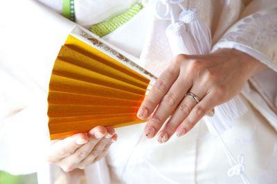 着物の手元はネイルが決め手!和装ブライダルネイルの選び方、教えます で紹介している画像