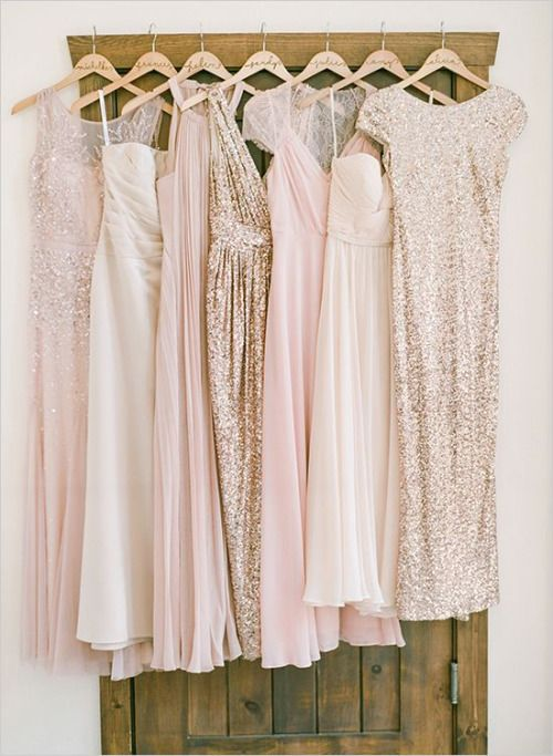 <テーマカラーレッスン>淡いピンクでコーディネートした結婚式アイディア で紹介している画像