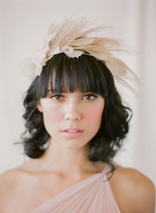 【ぱっつん前髪】清楚でクラシカルなアレンジ12選♡結婚式の髪型 で紹介している画像