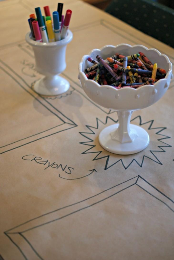 テーブルクロスがキャンバスに☆節約も叶うクラフト紙を使ったDIYテーブルコーディネートのアイデア で紹介している画像
