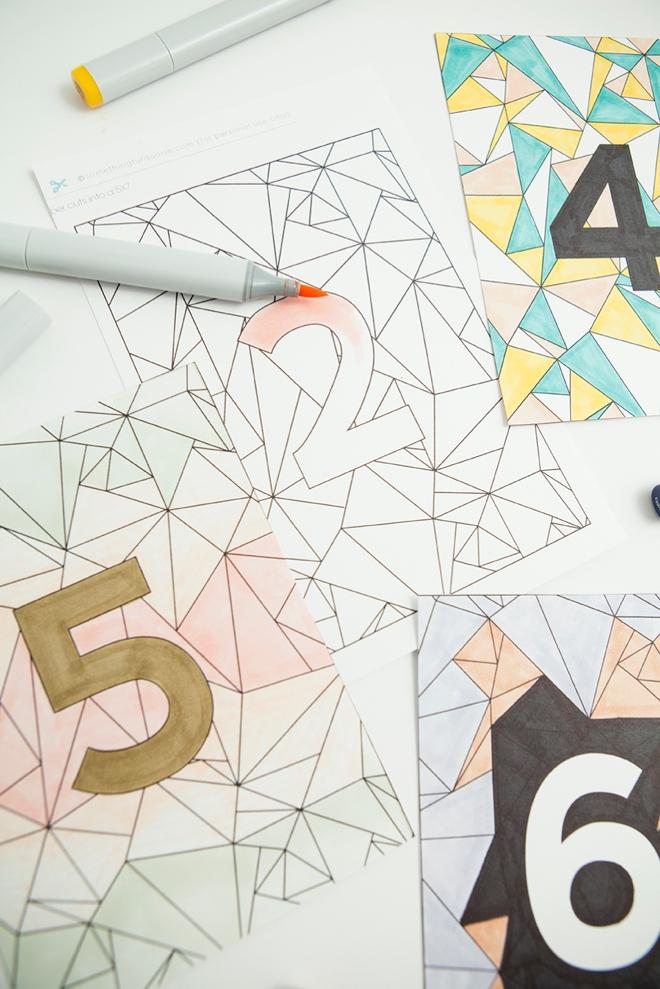 世界的大ブーム!大人の塗り絵「コロリアージュ」をDLして簡単DIYテーブルナンバー で紹介している画像