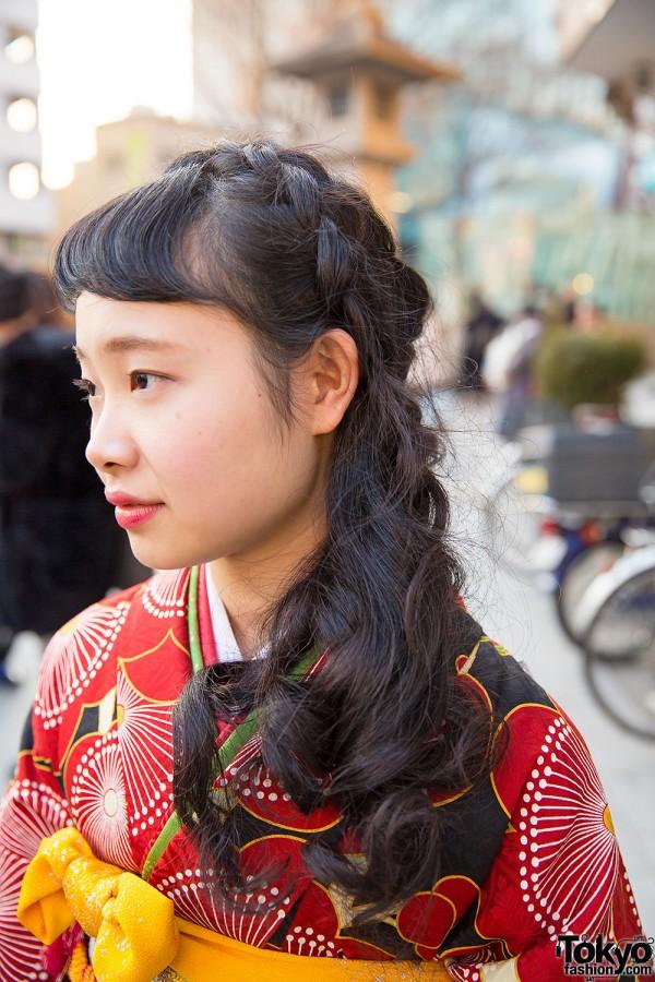 和装前撮り計画中の方に♡和装に合う洋髪の髪型〜かわいい系からキレイ系、個性的まで12選 で紹介している画像