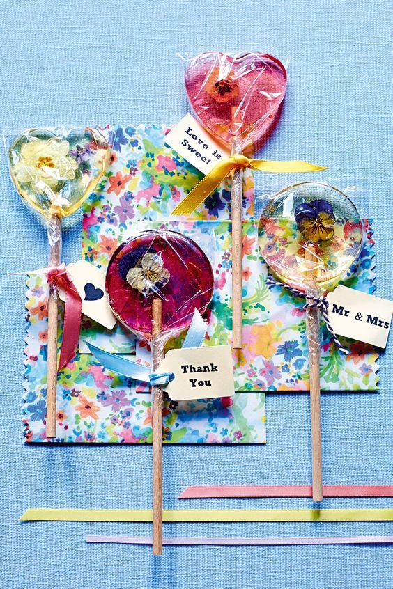 早い!安い!!かわいい♡プチギフトにぴったりなDIYエディブルフラワーのべっこう飴 で紹介している画像