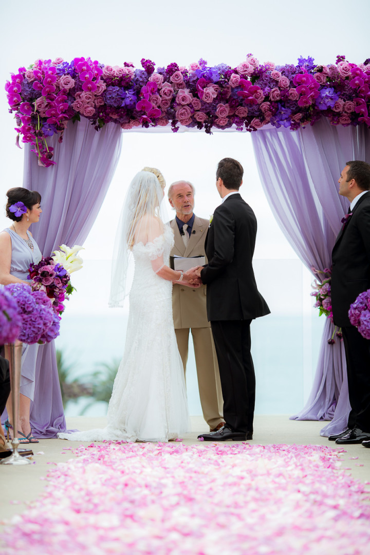 ディズニー映画「塔の上のラプンツェル」をテーマにした結婚式アイディア で紹介している画像