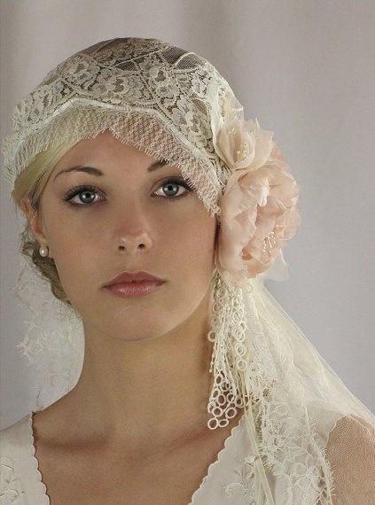 【ジュリエット・キャップ・ベール】個性派オシャレさんに♡クラシカルでかわいいベール 30選 で紹介している画像