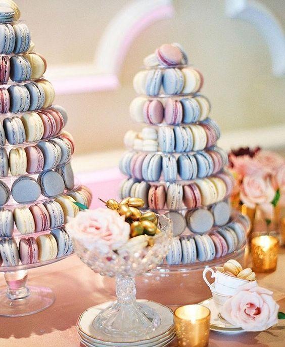 """2016年の流行色""""ローズ・クォーツ&セレニティ""""を取り入れた、結婚式のカラーコーディネート で紹介している画像"""