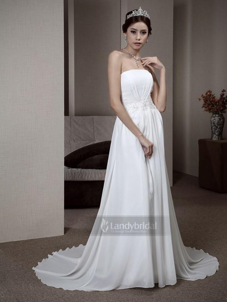 <元ドレススタイリストが教える>ウェディングドレス種類別レッスン【エンパイアライン】で理想の花嫁に♡ で紹介している画像