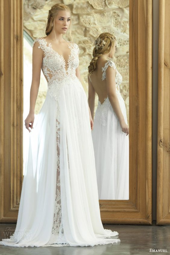 <ドレススタイリストが教える>オトナ花嫁におすすめ☆背中のあいたオープンバックのウェディングドレス で紹介している画像