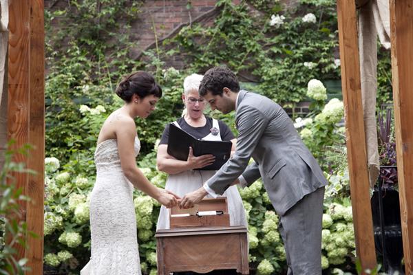 """この箱を開けるのはケンカしたとき。結婚式の演出""""ラブレター&ワインボックスセレモニー""""って知ってる? で紹介している画像"""
