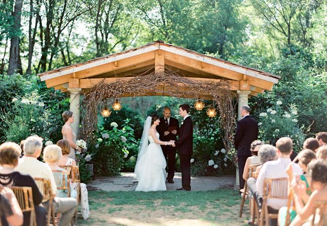 <ウェディングプランナーが教える>どの時期が一番いいの?結婚式の日取りの決め方【季節編】 で紹介している画像