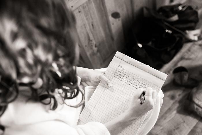 〈ウェディングプランナーが教える〉独身時代最後のプレゼント。ラブレターのススメ で紹介している画像