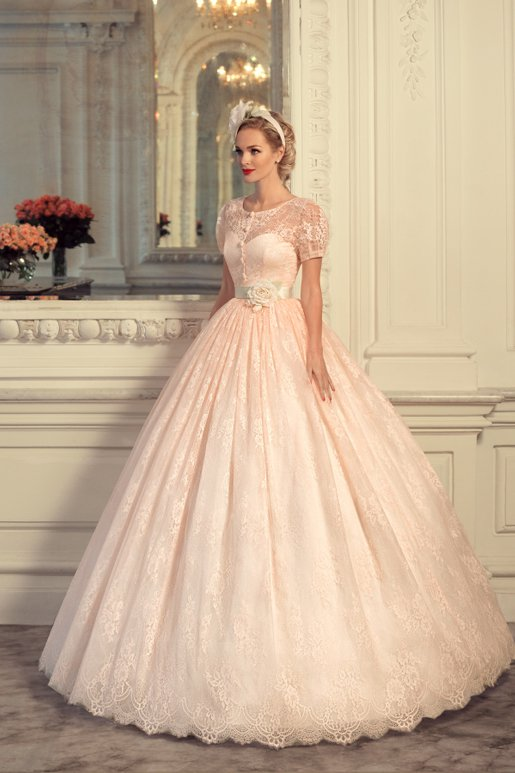 あなたの魅力を最大限に引き出す♡【自分に合ったカラードレス