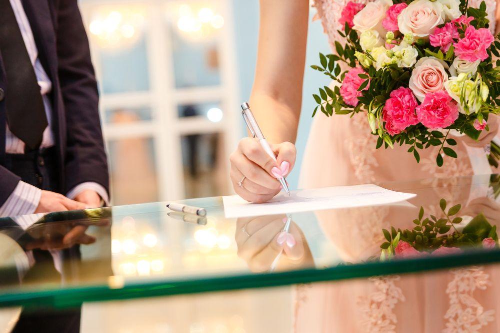 オリジナリティがある婚姻届!お洒落でかわいいデザイン25選 で紹介している画像