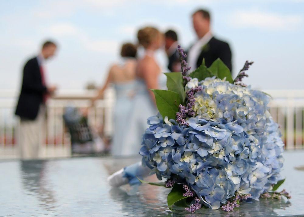 憧れのジューンブライド♡だけど、結婚式の日が雨だったらどうする? で紹介している画像