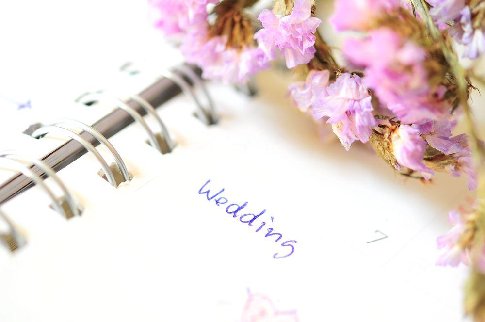 結婚記念日って入籍日と挙式日のどっち?一生の記念日となる結婚記念日の決め方How To♡ で紹介している画像