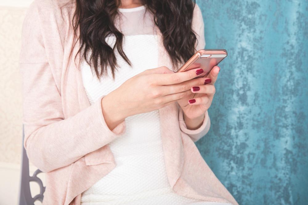 【親への結婚挨拶】女性の服装は〇〇さで選べ!彼のご両親目線でチェック で紹介している画像