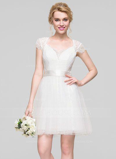 もう迷わない♡結婚式二次会の花嫁ドレスの選び方&アレンジガイド で紹介している画像